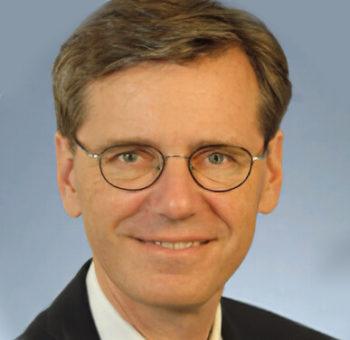 Dr. Dirk Mausbeck