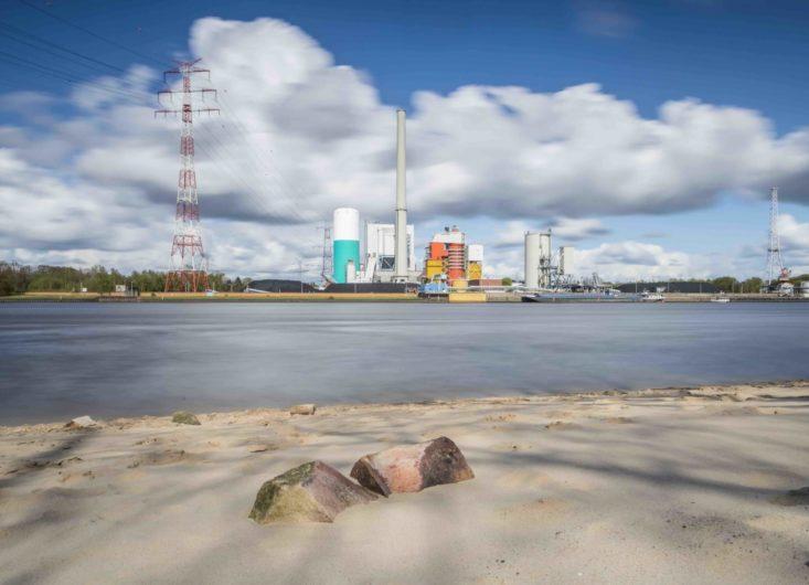 Onyx Power rüstet das Kraftwerk Bremen-Farge auf die Nutzung von Altholz um