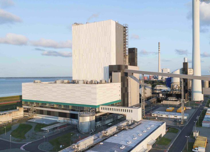 Niedersächsischer Umweltminister und MdBs informieren sich im Kohlekraftwerk Wilhelmshaven über Umrüstungsmöglichkeiten