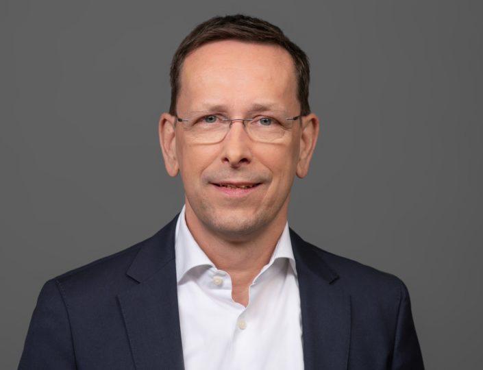 Pressebild_Dirk-Fischer-aspect-ratio-705-540