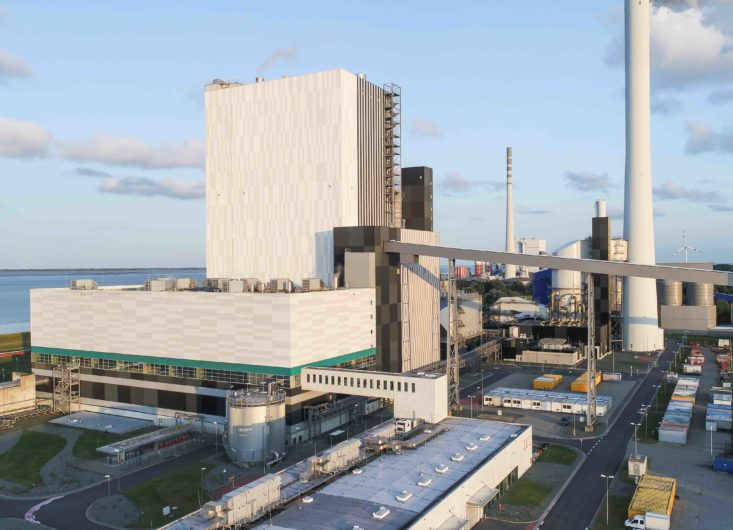 Lower Saxony's Environment Minister and Members of the German Bundestag visit Wilhelmshaven coal-fired power station to find out about conversion options